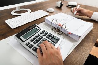 有初级会计证可以到单位做会计吗?